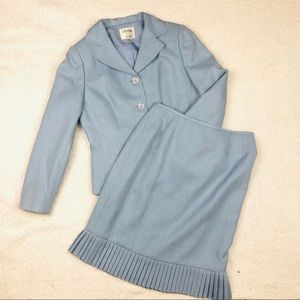 Le Suit 2pc Pastel Pleated Ruffled Skirt Suit